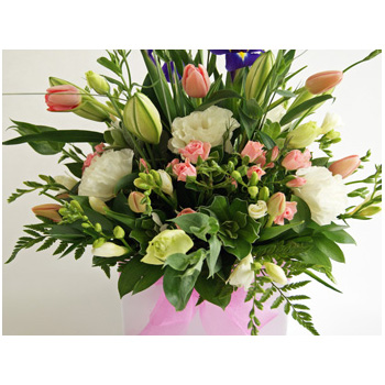 Lovely array of pastel seasonal blooms for Mum flowers delivery - Flowers Auckland